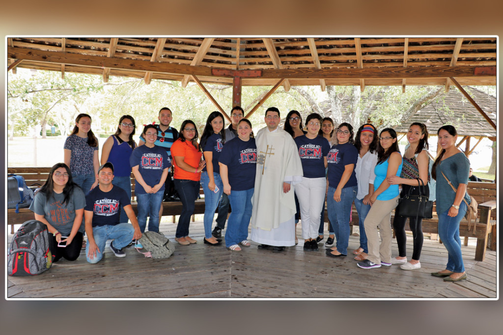 Members of the Catholic Campus Ministry-Brownsville gather around Father Jesus Paredes (center) after the club's first Mass celebration last Thursday at the Texas Southmost College Gazebos./Michelle Espinoza/The Rider