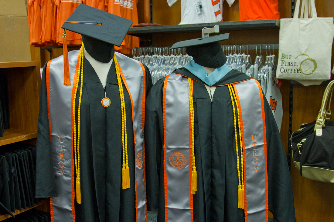 UTRGV\'s first commencement